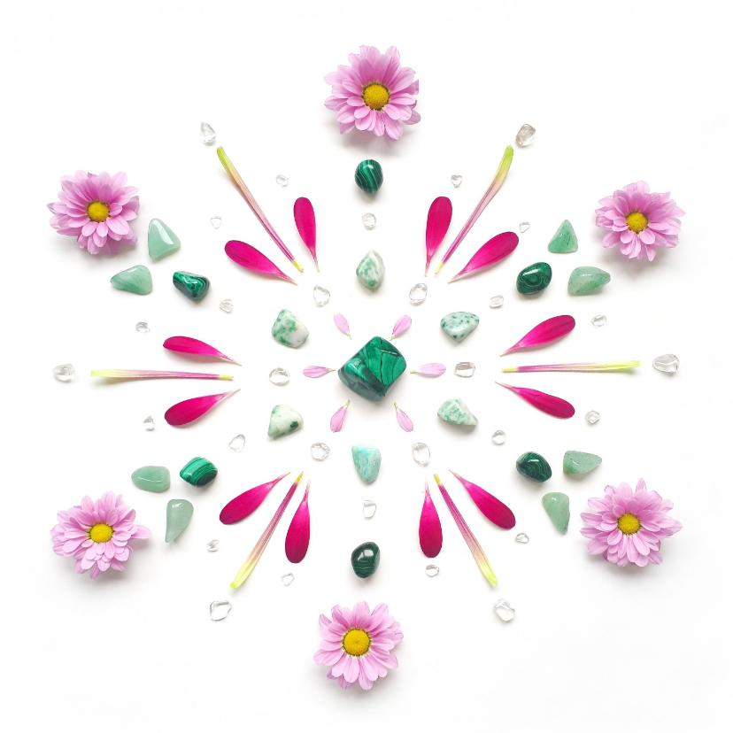 Woonkaarten - Woonkaart mandala van groene edelstenen en bloemen