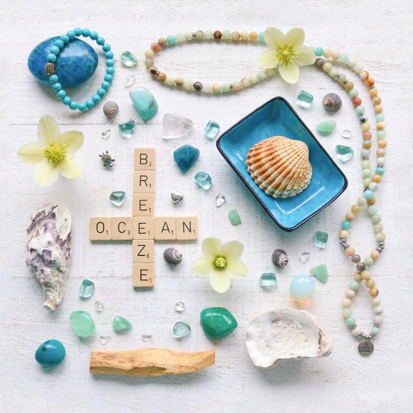 Zomaar kaarten - Spreukenkaart zeewind met letters schelpen en edelstenen